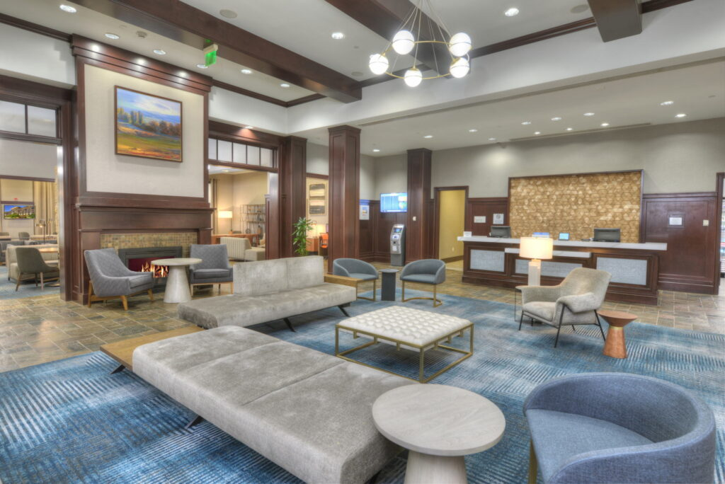 Sheraton BWI Airport Hotel Reception and Sitting Area