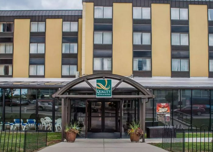 Quality Hotel and Suites Niagara Falls NY